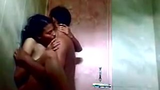 (DirtyCook) Indian GF screwed in the shower