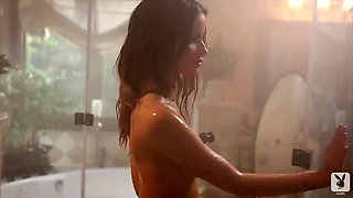hot chick's solo scene in the shower!