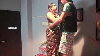 Kirshnagar Aunty Romance