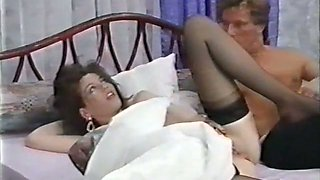 Sexy white chick got her pussy banged while sleeping