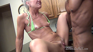 Camel Toe Kitchen - Milf in Bikini Gets Facial From BBC