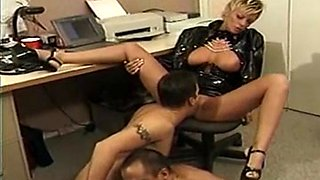 Ambisexual 3some playing