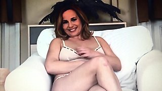 Amateur housewife Steffi at naked casting interview