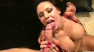 Handsome guy gets to bang Mason Moore until she reaches an orgasm