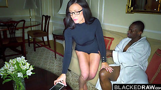 BLACKEDRAW Wife LOVES the World's Biggest BBC in hotel room