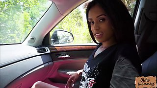 Stranded Tiffany Nunez fucked right in the car