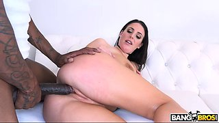 Black guy cheats on his wife with a thick white babe