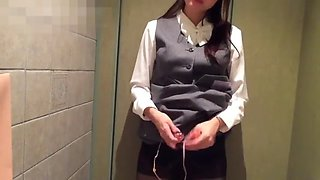japanese slave masterbate in a fitting room