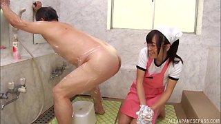Nasty Mako Konno washes a kinky fellow's tight anus