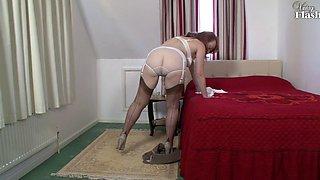 RED - Straining nylons ! (VntgFlsh 2012) 720p