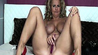 Ava Adams is queen of big ass and big boobs