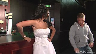 Stunning bride Brooklyn Blue cheating on her husband with a bartender