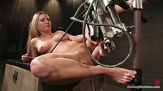 Blonde girl toys herself and gets toyed by a machine