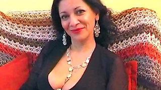 Milf amateur arab aunt spreading her pussy