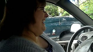 Mature BBW neighbor lady wants to play with my cock in her car