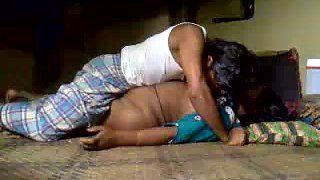 Chubby dark skinned real Hindu wifey gets poked missionary on floor