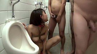 Ogura Yuzu drinks piss in Toilet