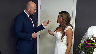 Brazzers - Real Wife Stories - Maxim Law   JMac