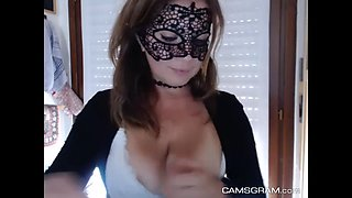 sophisticated masked model drills her pussy and squirts