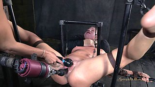 Alluring mistress knows what her horny slave babe craves