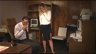 Secretary with a sexy set of titties blows her boss
