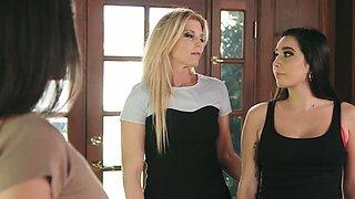 Parent Teacher Students threesome lesbian way