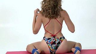 Flexible babe Anka shows nude gymnastics