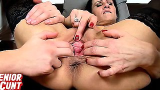 Amateur euro cougar Marta pussy stretching and squirting