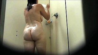 Voyeur REAL Hidden Cam in Moscow Shower
