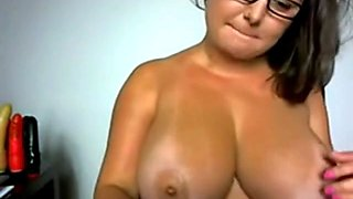 Nerdy Babe With Big Boobs - negrofloripa