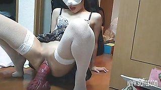 Huge Dragon Dildo Wrecks Her Pussy