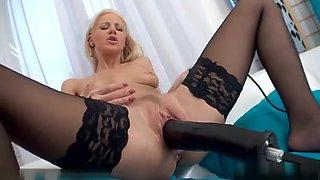 Hot Pornstar Fisting And Cumshot