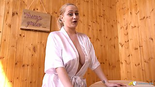 Full natural juggy masseuse Rachael C is waiting fro her regular client