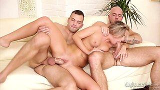 Whorish chick Vinna Reed enjoys having threesome sex with bisexual guys