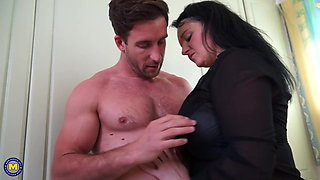 Family sex with hot mature moms and sons