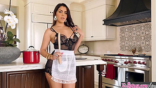 Twistys   Valentina Nappi starring at Italian Cooking With Valentina