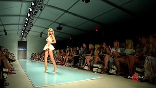 sexy bikini catwalk