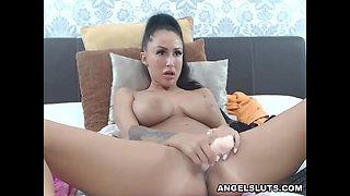 Hottest Big Tits Hoochie Makes Her Pussy Wet