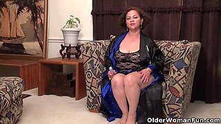 American MILF loves marie black puts the dildo in her pussy nyloned