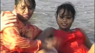threesome indian beach fun
