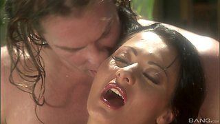 For Sandra Romain nothing is better than hard threesome by the pool