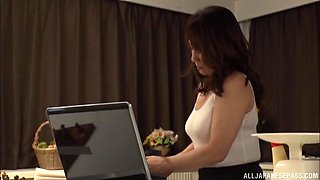 Kondou Ikumi is a mature chick who loves exploring her body