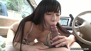 Japanese cutie Tsukushi flashes her tits and gives her BF a blowjob in his car
