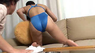 Fuck The Housewife In Swim Suit