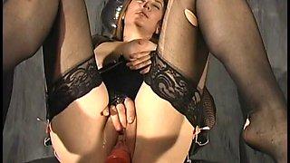 She enjoys her hot dildo on a chair