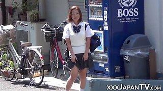 Real japanese schoolgirls being naughty around town
