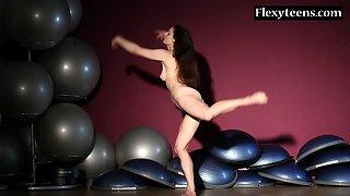Sexy blackhaired gymnast