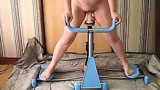 Married woman banged on workout machine that was dildo