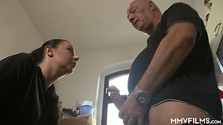Ordinary perverted black haired housewife gives quite a good BJ