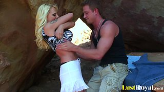 Outdoor banging with the busty gal Sandy Simmers